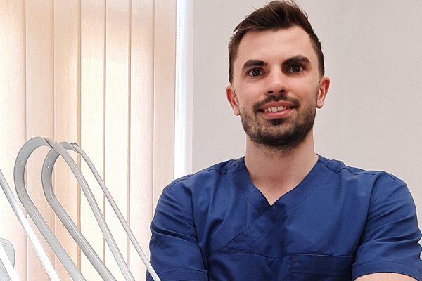 Dr. Kovács Bence